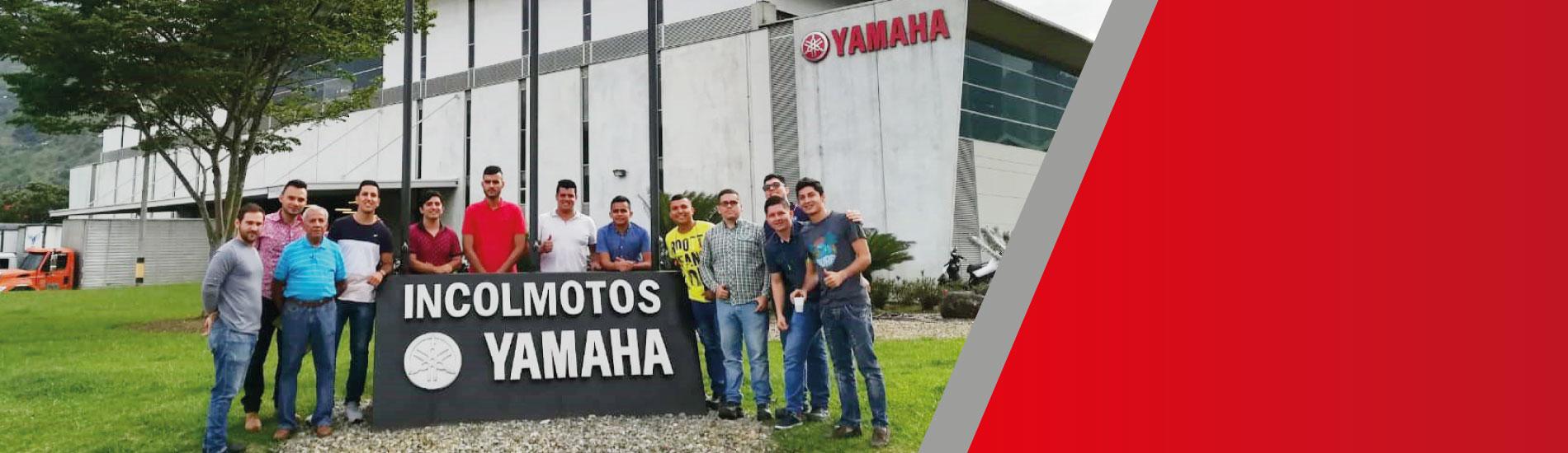 Estudiantes de Ingeniería Mecánica realizaron visita empresarial a Medellín