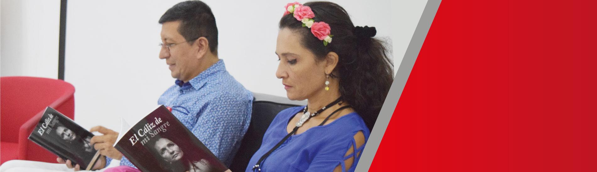 """Poemas de paz, perdón y reconciliación en el libro """"Cáliz de mi Sangre"""" presentado en la UFPS"""